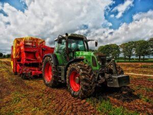 Агробизнес – это наша ведущая отрасль. Потенциал развития огромен и при этом агробизнес нуждается не только в грамотных кадрах.